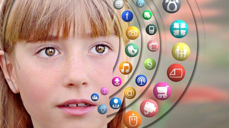 Quel âge pour ouvrir un compte sur les réseaux sociaux ?